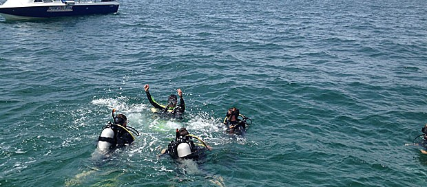 master instructor, padi rescue diver, real diver experience, gaya island, premier padi 5 star idc dive centre, downbelow, padi course, dive training, go pro internship program, professional divers, sabah, borneo