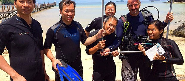 go pro internship program, professional scuba diving intern, diver training, gaya island, paradise, dive experience, padi master scuba diver trainer, resident platinum padi course director, premier padi 5 star idc dive centre, downbelow marine and wildlife advnetures,