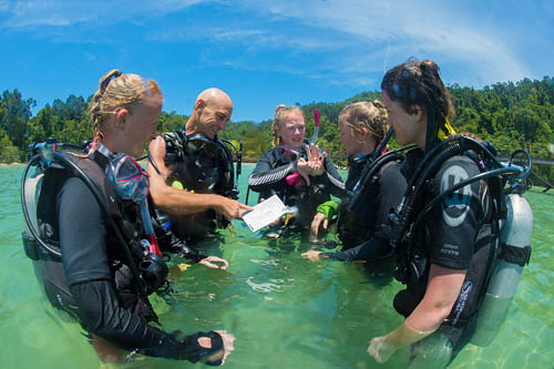 PADI Confined water teaching