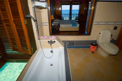 En-Suite Bathrooms Sipadan Kapalai Dive Resort