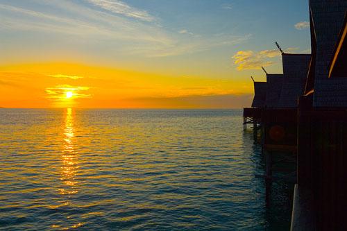 Panoramic Beautiful Sunrises and Sunsets