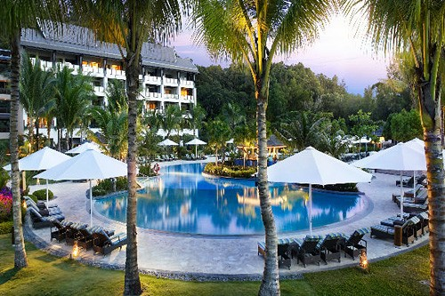 Shangri La Rasa Ria Ocean Wing Swimming Pool