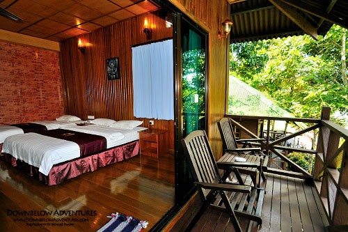 Kinabatangan River Mid Range Lodge