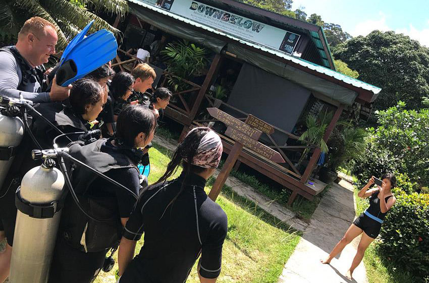 University Malaysia Sabah Students Learn To Dive