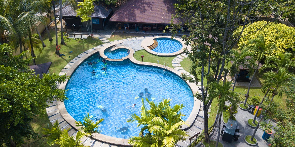 Manukan Resort Pool