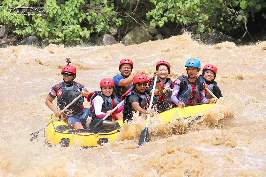 Rafting down the Padas river